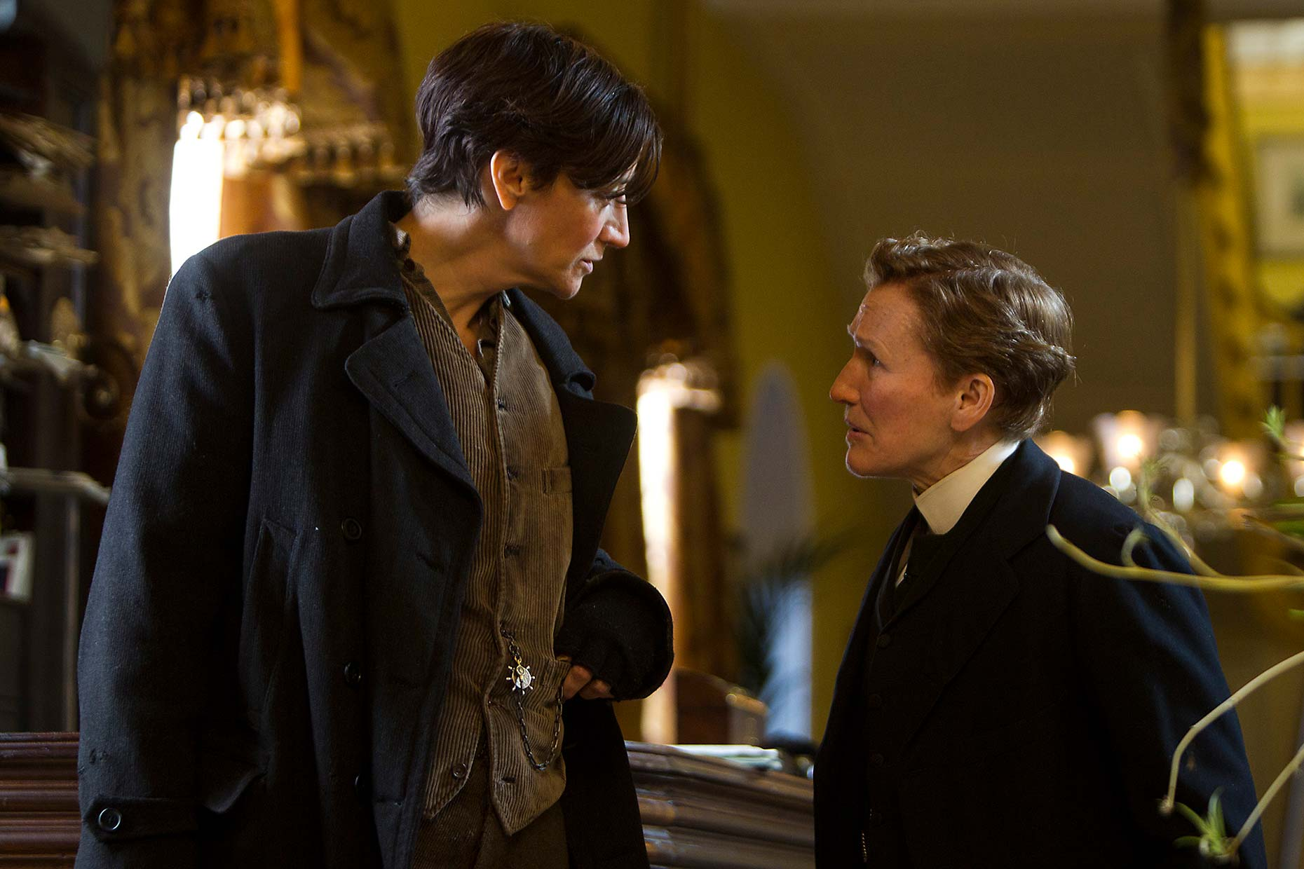 ALBERT NOBBS : Janet McTeer and Glenn Close