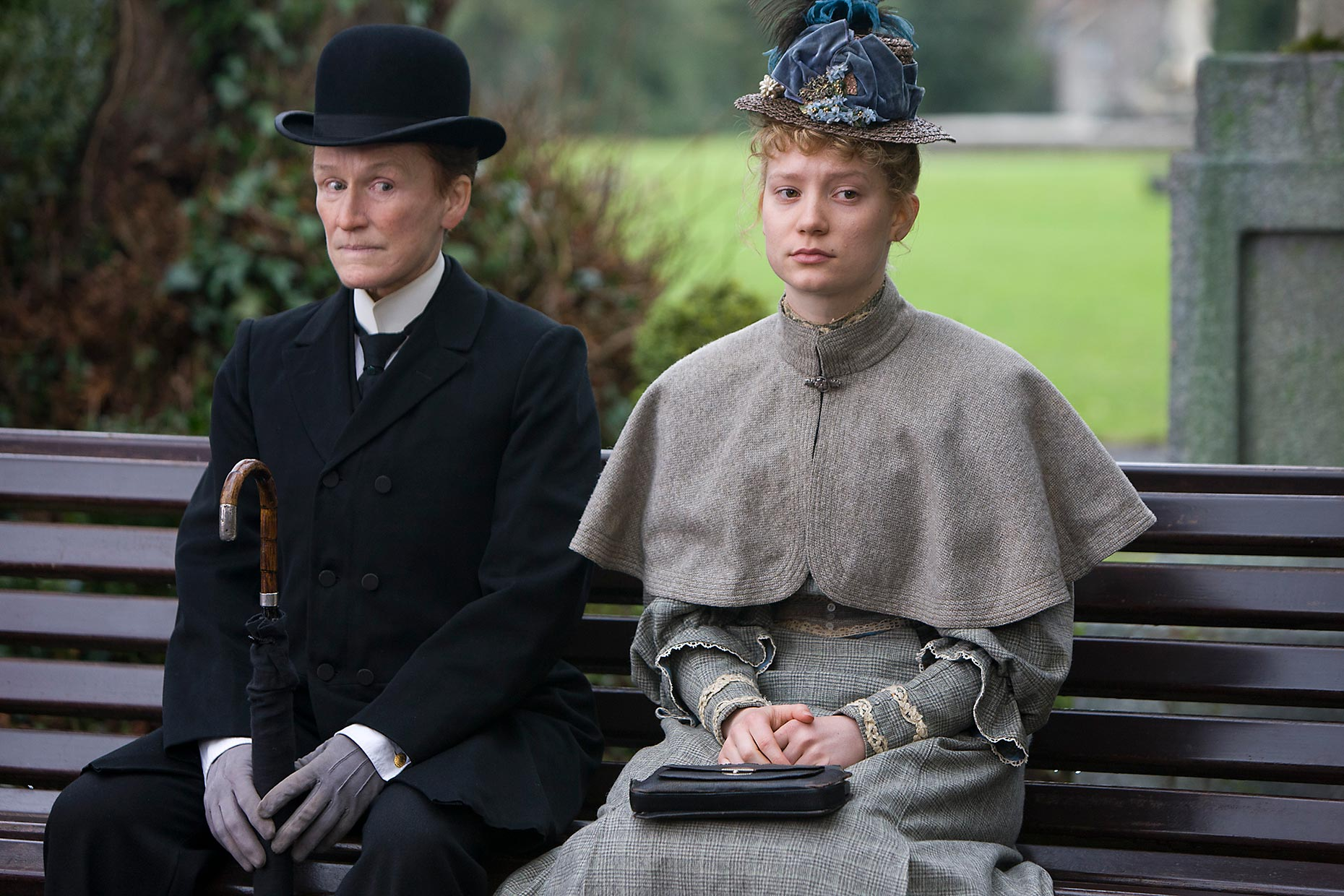 ALBERT NOBBS : Glenn Close and Mia Wasikowska (3)