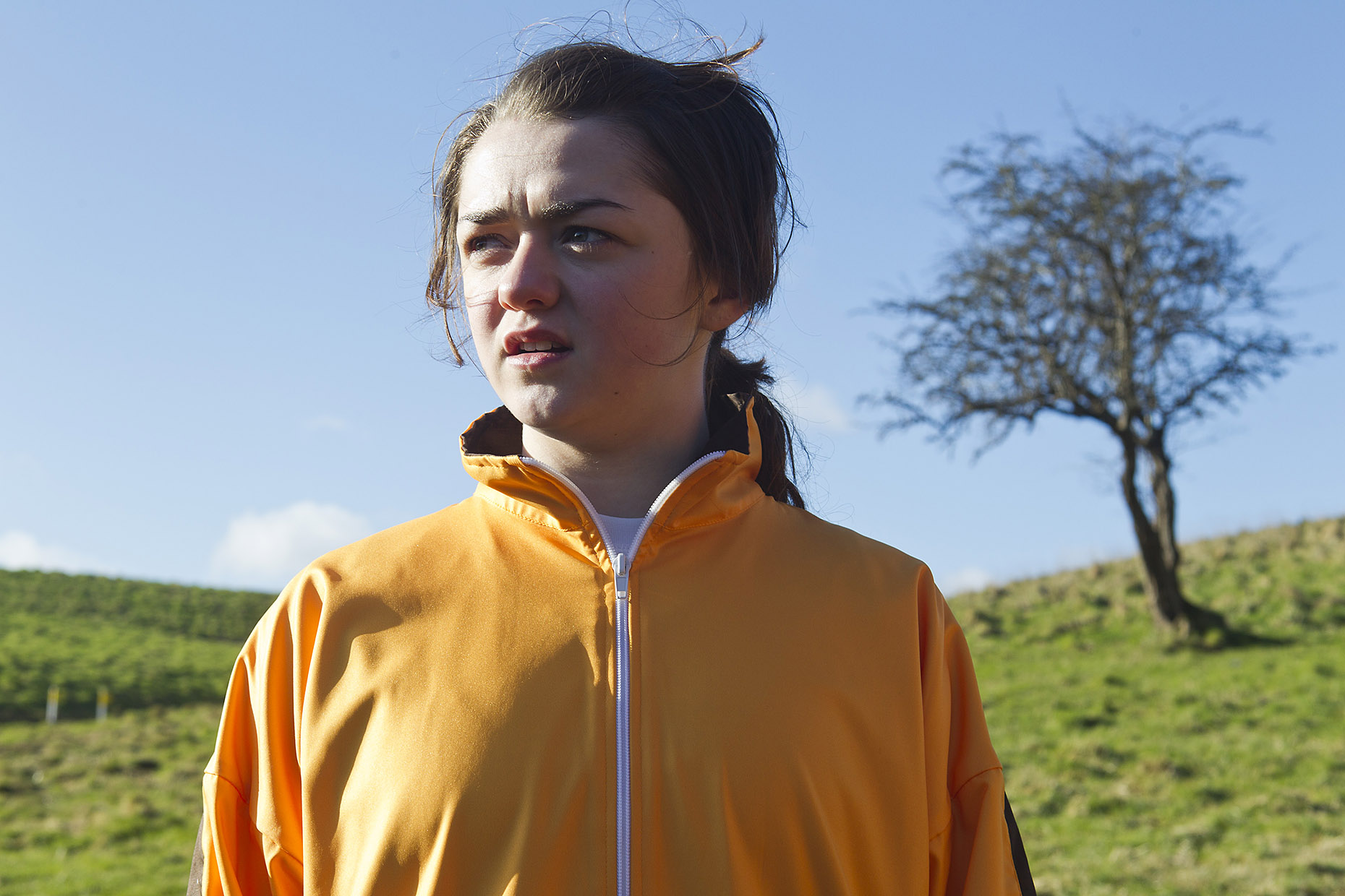 GOLD : Maisie Williams