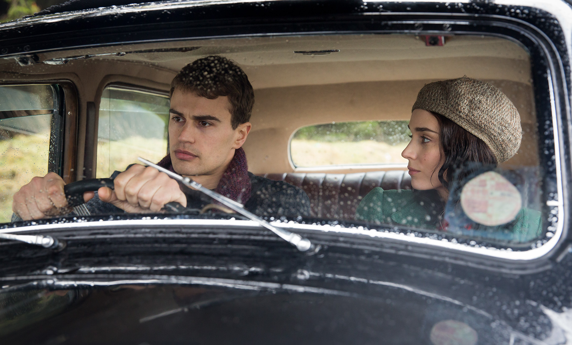 THE SECRET SCRIPTURE : Theo James (2)